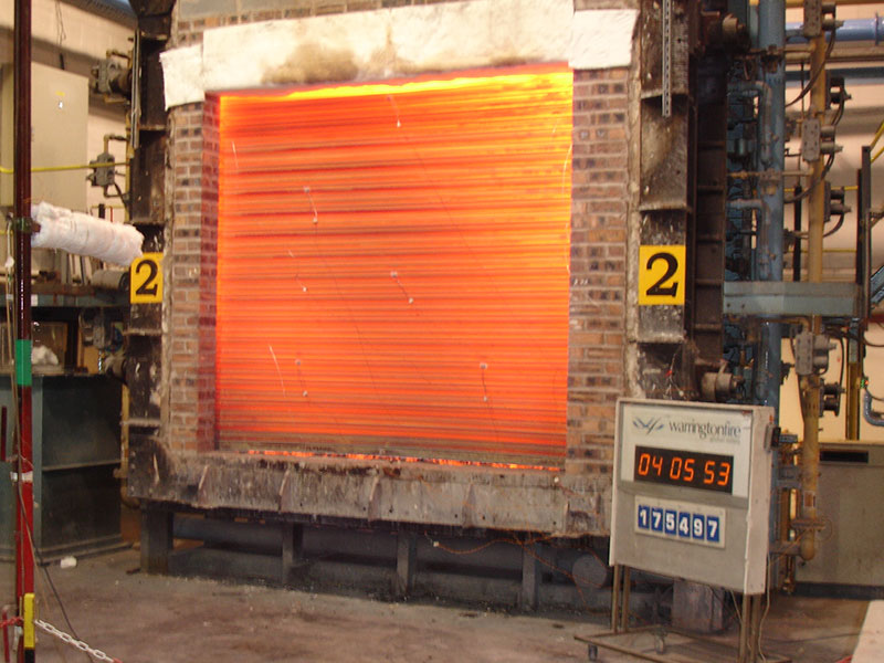 Fire resistant roller shutter used with furnace