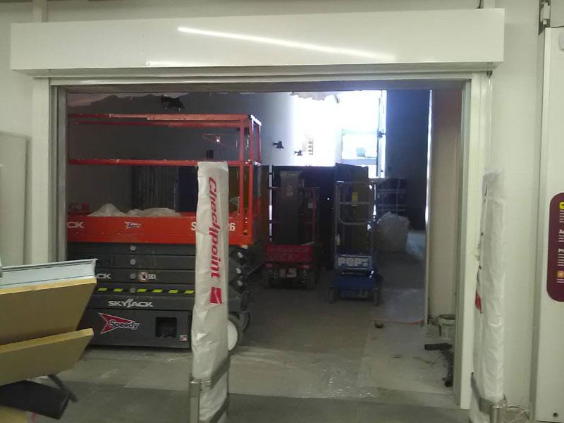 Internal fire resistant roller shutter door