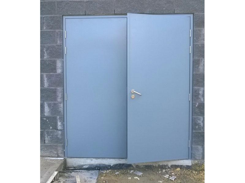 Part open fire resistant steel door
