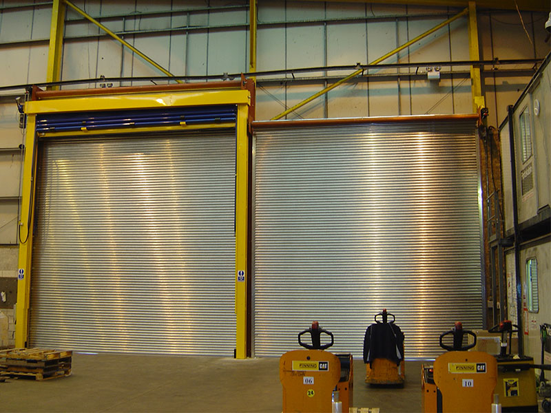 Safe drive roller shutters for warehouses