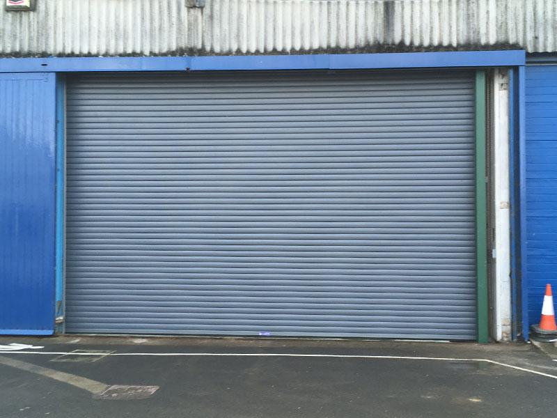 Safe drive industrial shutter doors
