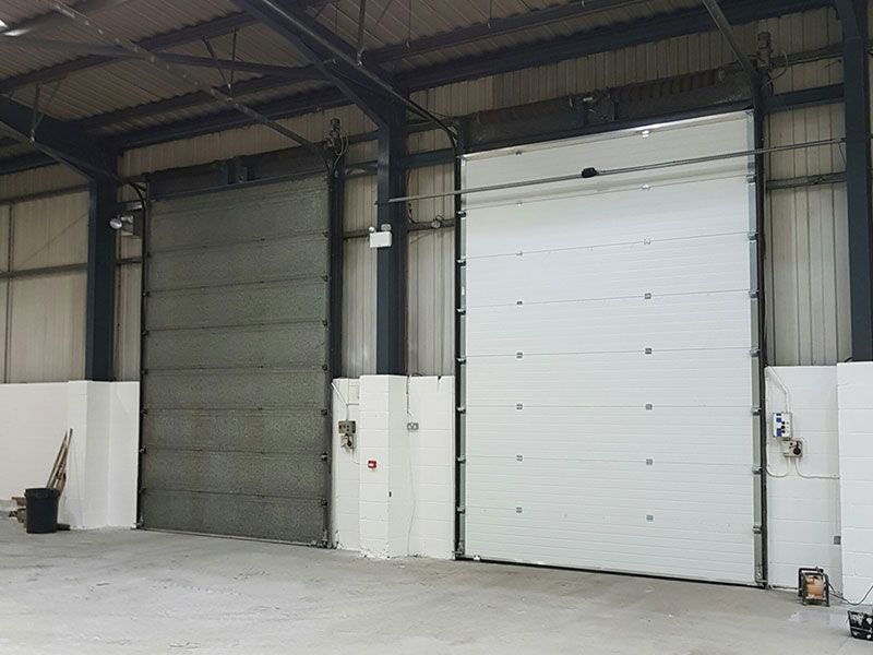 Warehouse sectional overhead doors