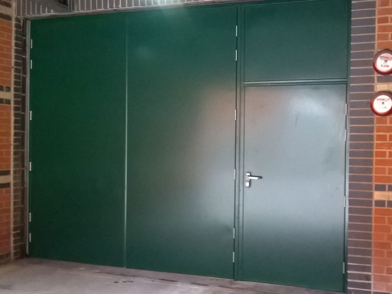 Green steel door unit