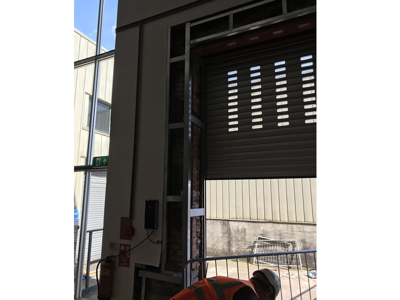 Insulated roller shutter installation