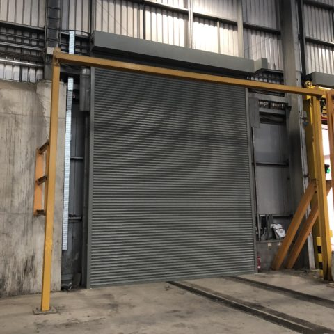 Waste disposal unit shutter